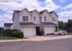 Very Nice 3 Bed/2 Bath Townhome in Carlton