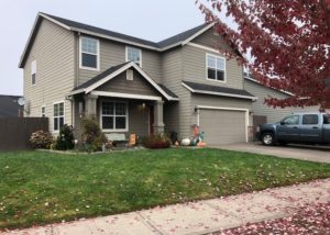 Large 4 bedroom/2.5 bath House in McMinnville- Pets Allowed!