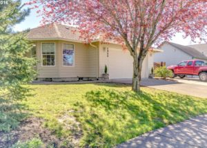 Beautifully maintained 3 Bed, 2 Bath Home near Schools and Parks