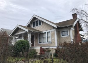 1916 Bungalow in the heart of Newberg- Landscaping Included
