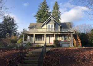 Newly remodeled, Fully Furnished Apartment in McMinnville