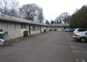Newly Renovated Apartment in Newberg- Water/Sewer/Garbage Included