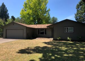 Well Maintained 3 Bed, 1 Bath Home in SE McMinnville